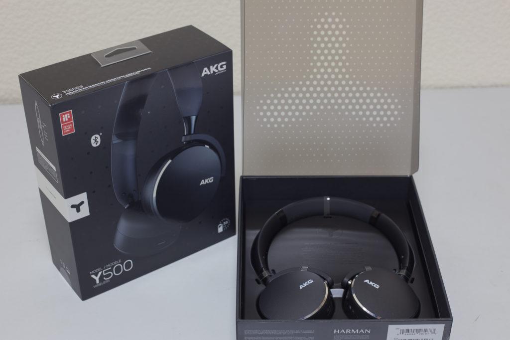 Наушники AKG Y500 в упаковке