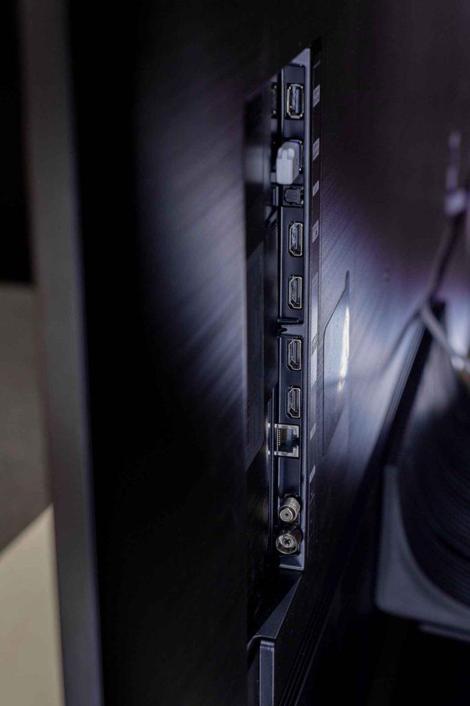 Коммутационные разъемы Samsung NEO QLED
